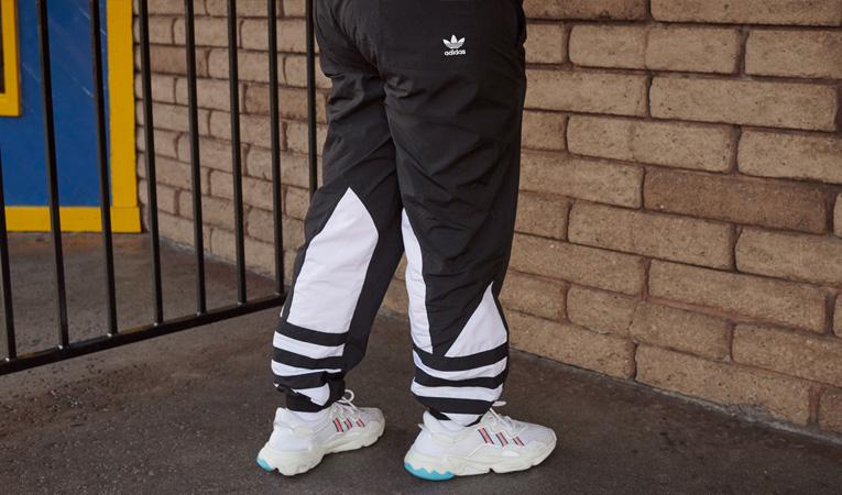 ad8dd9f1a44e ... adidas Originals je stylové oblečení a obuv